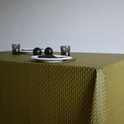 Nappe en tissu enduit ou toile enduite au motif éventail et au coloris moutarde modernes