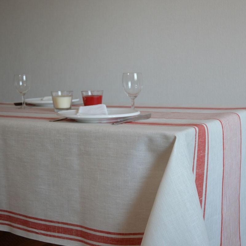 Nappe en lin enduit à l'esprit basque avec des rayures rouges sur fond blanc