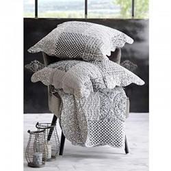 Ensemble de boutis composé d'un couvre-lit de 240 x 260 et de 2 taies de 65 cm x 65 cm
