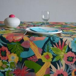 Toile ou tissu enduit pour nappage, un esprit tropical sur votre table avec de belles fleurs colorées