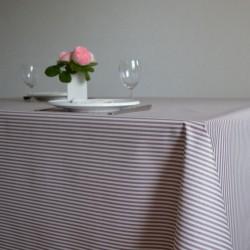 Nappe enduite en toile enduite grande largeur 180 cm avec de fines rayures bordeaux très chics