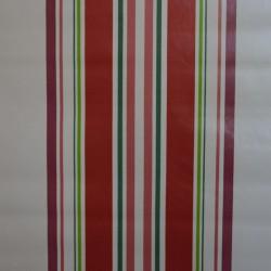 Toile cirée standard en 160 cm de large avec des rayures rouges et vertes sur fond beige pour un esprit basque