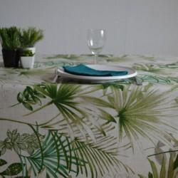 Lin enduit à l'esprit jungle avec des feuilles luxuriantes sur fond blanc