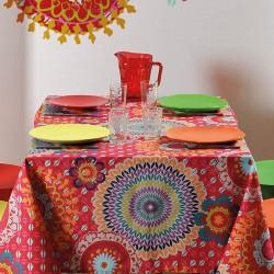 Nappe en toile enduite ourlée avec un motif de mandalas très coloré