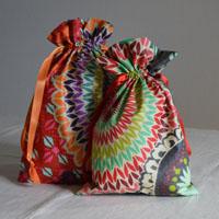 Pochettes en tissu ou coton enduit