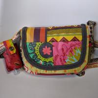 Pochette réalisée par Domi en tissu enduit