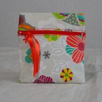 Pochette de sac réalisée en tissu enduit ou toile enduite